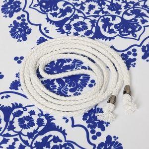 Dresses - Stunning white dress with blue porcelain print